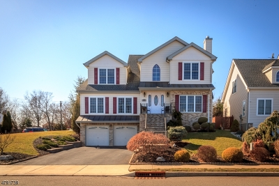 Woodbridge Twp. Single Family Home For Sale: 400 Cliff Rd