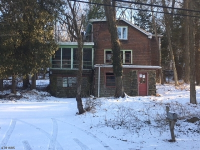 Long Hill Twp Single Family Home For Sale: 837 Meyersville Rd