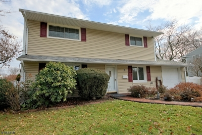 South Brunswick Twp. Single Family Home For Sale: 8 Bedford Rd
