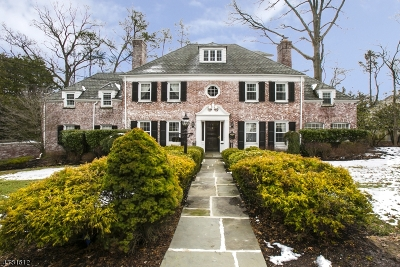West Orange Twp. Single Family Home For Sale: 70 Winding Way