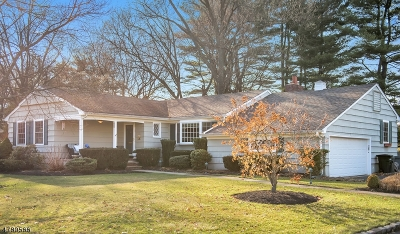 WestField Single Family Home Active Under Contract: 213 Golf Edge