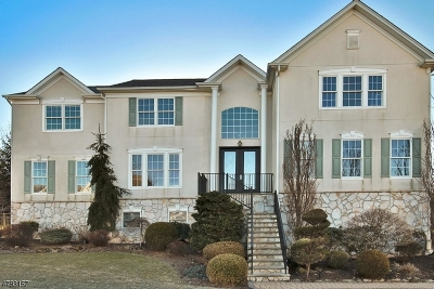 Totowa Boro Single Family Home For Sale: 37 Independence Trl