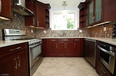WARREN Single Family Home For Sale: 60 Broadway Rd