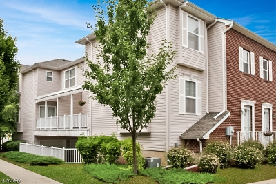 Perth Amboy City Condo/Townhouse For Sale: 518 Great Beds Ct