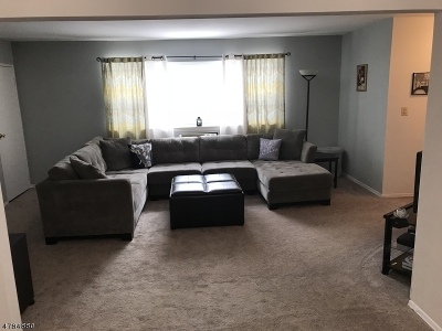Parsippany-Troy Hills Twp. Condo/Townhouse For Sale: 2467 Route 10 Bldg 49 7b #7B