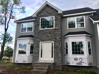 Edison Twp. Single Family Home For Sale: 2 New Brooklyn