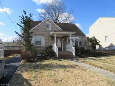 Woodbridge Twp. Single Family Home For Sale: 73 Lockwood Ave