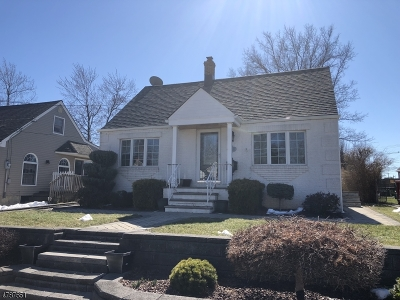 Clark Twp. Single Family Home For Sale: 8 Florence Dr