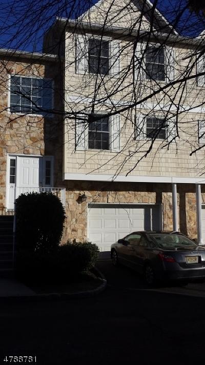 Belleville Twp. Condo/Townhouse For Sale: 28 Belle Oak Lane