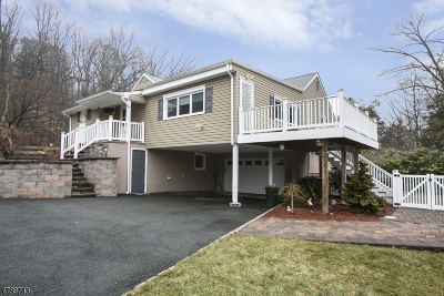 West Orange Twp. Single Family Home For Sale: 1464 Pleasant Valley Way