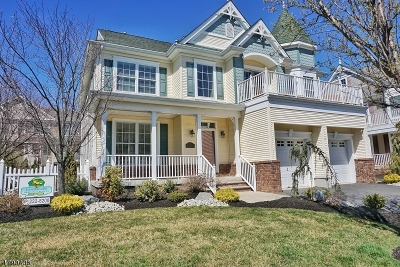 South Amboy City Single Family Home For Sale: 16 Spinnaker Dr