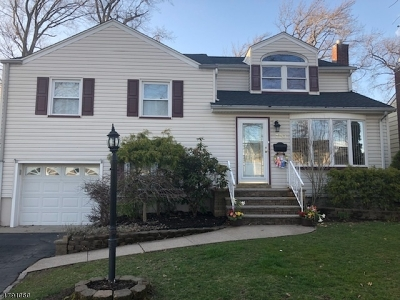 Union Twp. Single Family Home For Sale: 720 Colonial Arms Rd