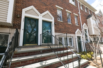 Morristown Town Condo/Townhouse For Sale: 52-E Ridgedale Ave