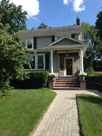 Cranford Twp. Single Family Home For Sale: 16 W Holly St