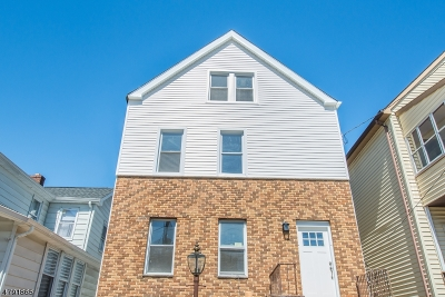 Bloomfield Twp. Multi Family Home For Sale: 33 Linden Ave