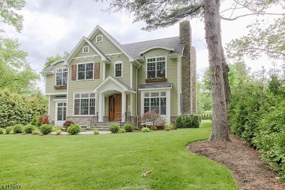 Chatham Twp. Single Family Home For Sale: 66 Rolling Hill Dr