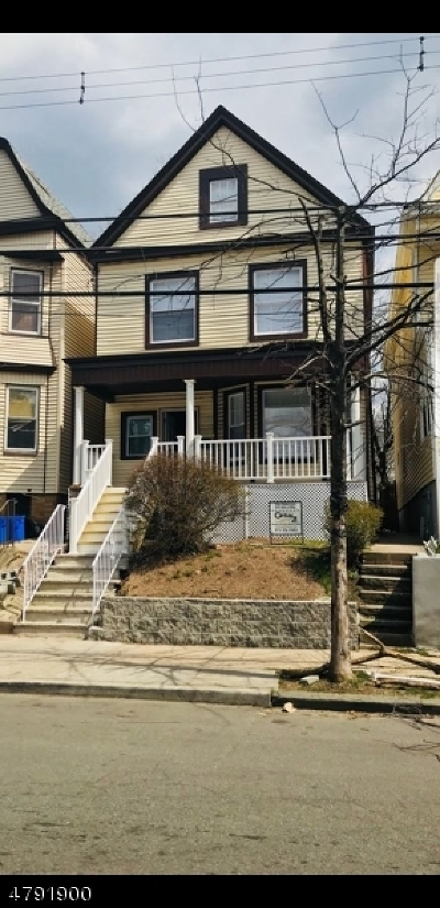 Newark City NJ Single Family Home For Sale: $227,000