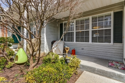 Hanover Twp. Condo/Townhouse For Sale: 1904 Appleton Way #1904