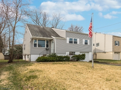 Woodbridge Twp. Single Family Home For Sale: 18 Marie Rd