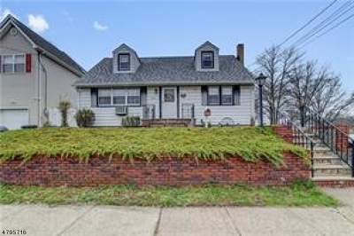 Woodbridge Twp. Single Family Home For Sale: 30 4th St