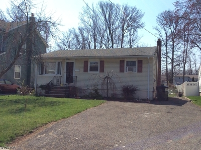 Woodbridge Twp. Single Family Home For Sale: 27 Hayes Ave