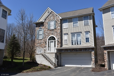 Randolph Twp. Condo/Townhouse For Sale: 101 Arrowgate Dr