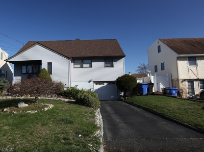 Woodbridge Twp. Single Family Home For Sale: 28 Atlantic St