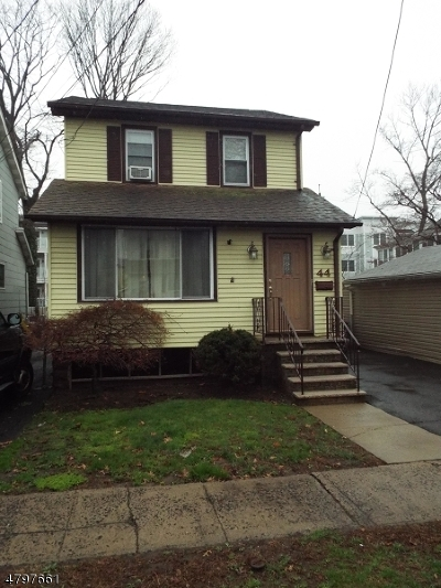 Bloomfield Twp. Single Family Home For Sale: 44 E Almira Street
