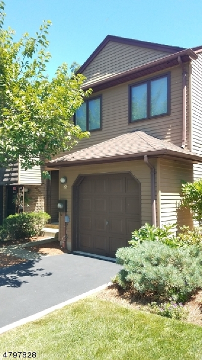 Parsippany-Troy Hills Twp. Condo/Townhouse For Sale: 70 Patriots Rd #70