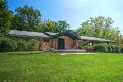 Livingston Twp. Single Family Home For Sale: 15 Coventry Rd