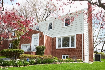 Maplewood Twp. Single Family Home For Sale: 2 Northview Ter
