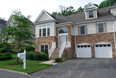 West Orange Twp. Condo/Townhouse For Sale: 16 Whitbay Dr