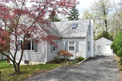 Parsippany-Troy Hills Twp. Single Family Home For Sale: 1 Country Club Rd