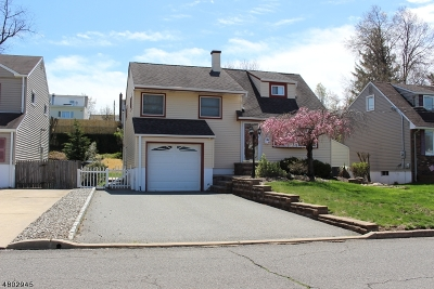 Woodbridge Twp. Single Family Home For Sale: 206 McFarlane Rd