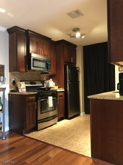 LINDEN Condo/Townhouse For Sale
