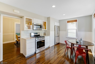 Maplewood Twp. Single Family Home For Sale: 61 Wellesley St