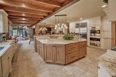 WARREN Single Family Home For Sale: 2 Lauriel Ct