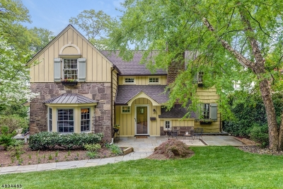 Maplewood Twp. Single Family Home For Sale: 25 Crestwood Dr
