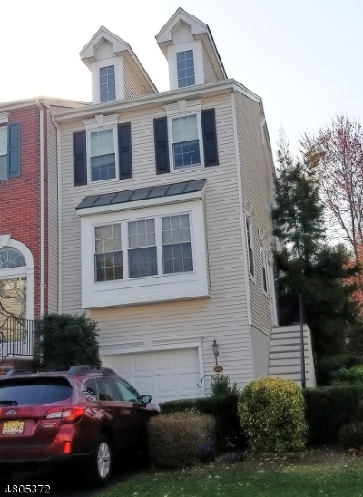 Nutley Twp. Condo/Townhouse For Sale: 208 Barringer Dr