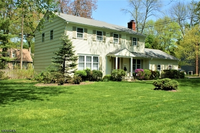 Florham Park Boro Single Family Home For Sale: 54 Sherbrooke Dr