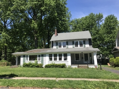 Maplewood Twp. Single Family Home For Sale: 15 Yale St