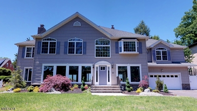 Clark Twp. Single Family Home For Sale: 30 Parkway Dr