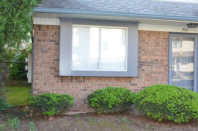 Union Twp. Condo/Townhouse For Sale: 301 Arsdale Ter