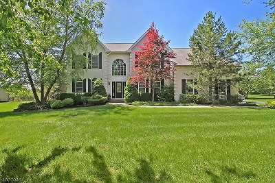 Union Twp. Single Family Home For Sale: 6 Wyckoff Dr