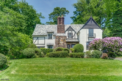Maplewood Twp. Single Family Home For Sale: 5 Tower Dr