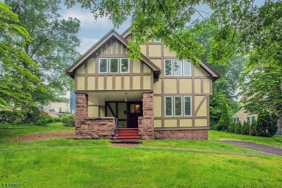 Nutley Twp. Single Family Home For Sale: 5 Enclosure
