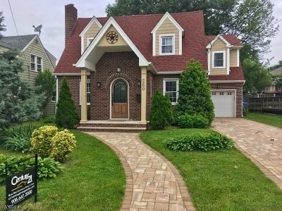 Edison Twp. Single Family Home For Sale: 260 Hoover Ave.