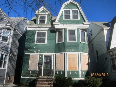 Single Family Home For Sale: 148 Greenwood Ave