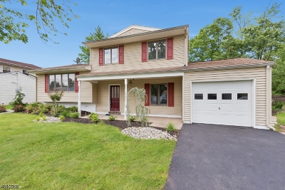 Woodbridge Twp. Single Family Home Active Under Contract: 16 Jade Pl