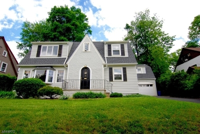 West Orange Twp. Single Family Home For Sale: 7 W Colony Dr